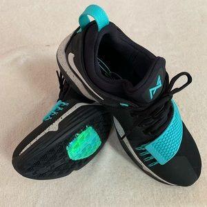 huge discount 2000b d355d NEW - Nike PG 1